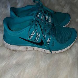 Turquoise Nike Free 5.0